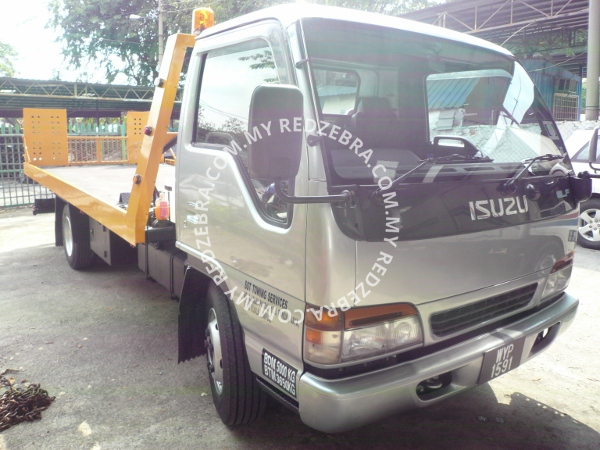 Isuzu NPR72P Car Carrier