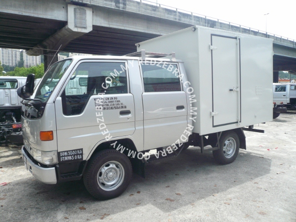 Toyota LY111 Double Cabin Box