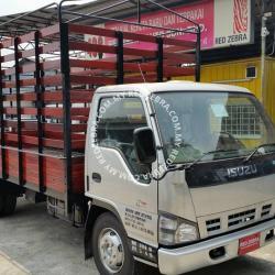Isuzu NPR High Wooden Cargo Livestock 16.8ft 5000Kg-7500kg